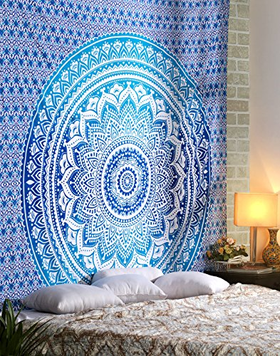 Große blaue Tapisserie - 228x213 cm - Omber dekorative Wandbehang Tapisserien, Boho, Bohemian, Room Dorm Decor und Kunst Tapisserie, 100{692a9d53183c5bd42282c2c9ac22e113693b92550c05808ba0fa05d9242b79c5} Baumwolle, Königin, Bettwäsche