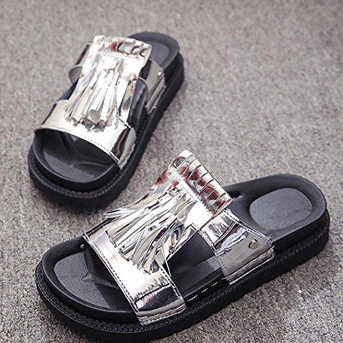 Transer® Damen Slipper Quaste Niet PU-Leder+Kunststoff Schwarz Weiß Silber Hausschuhe (Bitte achten Sie auf die Größentabelle. Bitte eine Nummer größer bestellen. Vielen Dank!) Silber