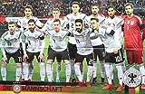 Giga Sport DFB Mannschaft XXL Poster 90 x 58 cm Gruppenbild Mannschaftsfoto Fussball WM 2018 Weltmeister Team Deutschland Nationalspieler Deutsche Nationalmannschaft Germany