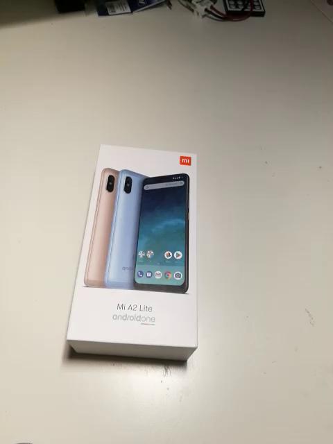 Xiaomi Mi A2 Lite - Smartphone de 5.84