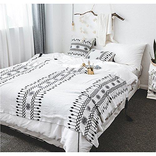 Minions Boutique - Manta punto blanco negro sofá