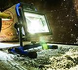 LED-Baustrahler Test: as - Schwabe Chip-LED-Akku-Strahler 46972