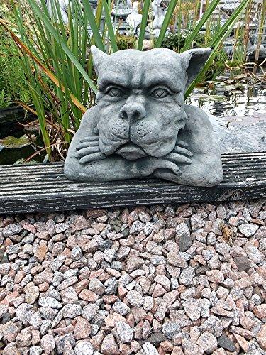 Steinfigur massiv Gargoyle Hände unter dem Kinn Mauerhocker Wächter Gartenfigur frostfest