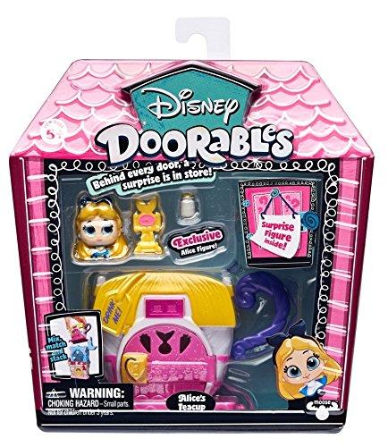 Doorables 34992 Disney Mini Spiel Set Teetasse Alice im Wunderland, Spielset mit Gebäude mit Türchen, 2 Spielfiguren mit Glitzeraugen und Zubehör, Spielzeug zum Sammeln für Kinder ab 5 Jahre, bunt