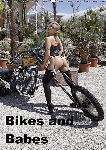 Preisvergleich Produktbild Bikes and Babes (Wandkalender 2017 DIN A2 hoch): Motorräder und Mädchen (Monatskalender, 14 Seiten ) (CALVENDO Menschen)