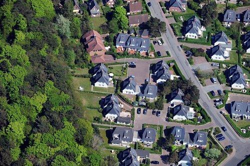 MF Matthias Friedel - Luftbildfotografie Luftbild von Haderslebener Straße in Westerland (Sylt), aufgenommen am 10.05.08 um 14:00 Uhr, Bildnummer: 5034-05, Auflösung: 4288x2848px = 12MP - Fotoabzug 50x75cm