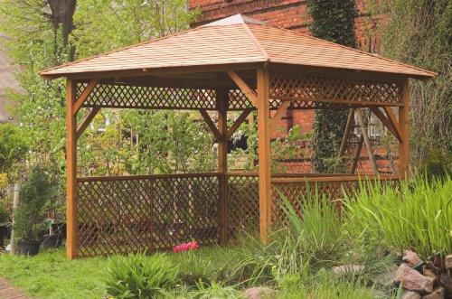 Rechteckige Gartenlaube mit Schindeldach und Rankgitter. Perfekt für einen Whirlpool. Maße: h295 x 252 x h295 cm