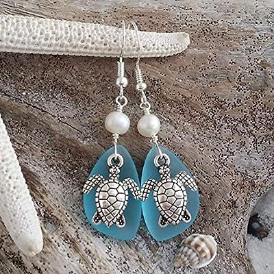 Faites à la main à Hawaii, « Twin » Tortues boucles d'oreilles en verre bleu mer turquoise Bay, perles d'eau douce, cadeau hawaïenne, (Hawaï cadeau emballé, personnalisable message cadeau)