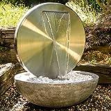 Köhko Wasserwand Ø 55 cm mit Einer Halbschale in Natursteinoptik mit LED- Beleuchtung 'Bocca' 22011 aus matt gebürsteten Edelstahl mit Becken aus Polyresin