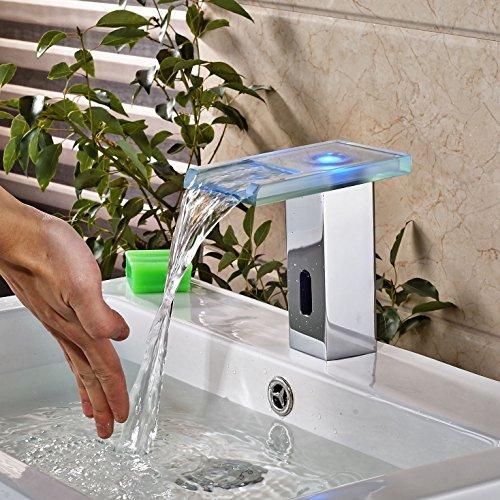 UHM LED luce di vetro del sensore del tubo di lancio Touchless rubinetto singolo rubinetto acqua fredda Chrome