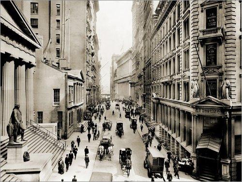 Posterlounge Acrylglasbild 160 x 120 cm: Die Wall Street von New York City von Everett Collection - Wandbild, Acryl Glasbild, Druck auf Acryl Glas Bild -
