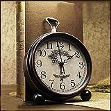LambTown 5,5 Zoll Retro Wecker Desktop Silent Non Ticking Bedside Uhr für Schlafzimmer Büro - Arabische Ziffern