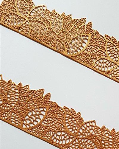 Este comestible encaje para tarta hoja de flores decorativa de rayas es absolutamente hermoso para boda o pasteles ocasionales. Disponible en varios colores. Cada tira mide 37,5 cm de largo x 5,5 cm de altura.