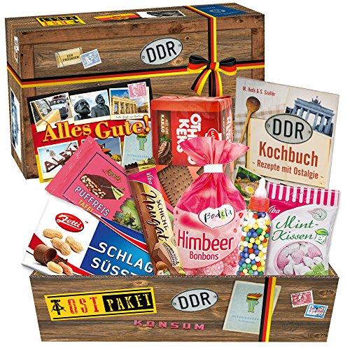 Typische DDR-Süßigkeiten in einer Box - Othello Keks Wikana, Bonbons Bodeta Himbeere, Mintkissen Viba, uvm. +++ Tolles Geschenkset mit Traditionsprodukten und Kultprodukten aus der ehemaligen DDR +++ Ossi Paket für (Arzt Kostüm Name Tag)