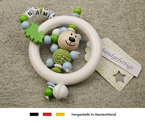 Baby Greifling Rassel Beißring mit Namen   individuelles Holz Lernspielzeug als Geschenk zur Geburt & Taufe   Jungen Motiv Bär und Lokomotive in grün