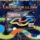 MAGIC GLOW TRACKS Cavalcavia Macchinine Pista con 2 Racing cars, giocattolo auto e Luminescent Rails flessibile Toys per bambini 3 4 5 6+ (3 piani)