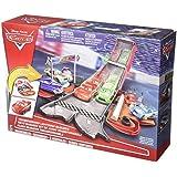 Cars 2 - Rayo mcqueen coche-pista 2 en 1 (Mattel DVF38)