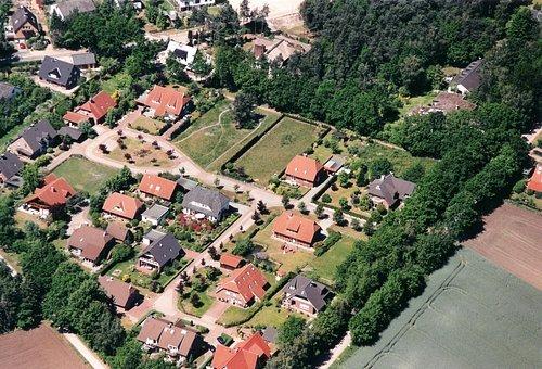 MF Matthias Friedel - Luftbildfotografie Luftbild von Glockenheide in Winsen (Luhe) (Harburg), aufgenommen am 30.05.04 um 12:28 Uhr, Bildnummer: 2930-09, Auflösung: 3000x2000px = 6MP - Fotoabzug 50x75cm