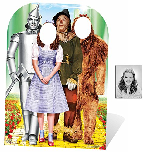 Fan Pack - Der Zauberer von Oz (Wizard of Oz) Smaragdstadt Kindergröße Pappfiguren stehen hinter / Stehplatzinhaber / Aufsteller Enthält 8X10 (25X20Cm) (Yellow Brick Road Prop)