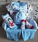 Baby Jungen Geschenkset - Präsentkorb +6teilig hose+Body-Lätzchen +1paar Strümpfe zur Geburt -Taufe (0-3 Monate- 62)