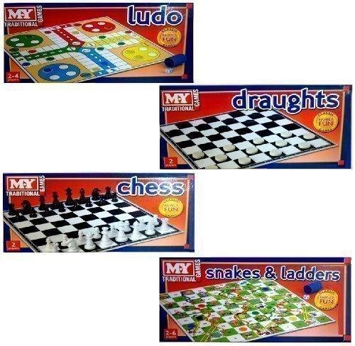 Preisvergleich Produktbild Set Mit 4 MY TRADITIONAL Familien Brettspielen Schach, Mensch Ägere Dich Nicht, Schlangen & Leitern, Dame