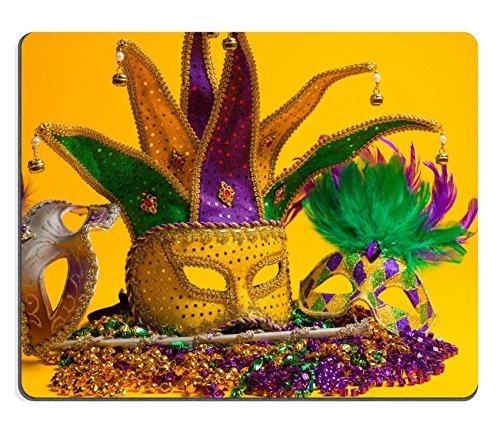 ad Bild-ID: 25892130A Festive bunten Gruppe der Mardi Gras oder Karneval Masken auf gelbem Hintergrund venezianischen Masken ()