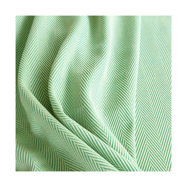 Didymos Woven Baby Wrap, Lisca Karibik, Size 6, 470 cm, Green Didymos Various carrying positions, in front, sideways an on the back Special, diagonally stretchable cloth to give optimal support Holds your baby in the anatomically correct posture 4