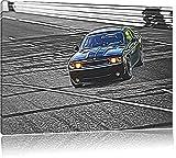 elegante schwarze Dodge Challenger schwarz/weiß Deluxe Format: 120x80 cm auf Leinwand, XXL riesige Bilder fertig gerahmt mit Keilrahmen, Kunstdruck auf Wandbild mit Rahmen, günstiger als Gemälde oder Ölbild, kein Poster oder Plakat