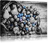 Früchtetraum mit Beeren im Korb schwarz/weiß Format: 120x80 auf Leinwand, XXL riesige Bilder fertig gerahmt mit Keilrahmen, Kunstdruck auf Wandbild mit Rahmen, günstiger als Gemälde oder Ölbild, kein Poster oder Plakat