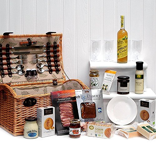 Organic Gourmet Food Selection Hamper Presented in a 4 Person Luxury Greenfield Fitted Picnic Hamper Basket - Gift ideas for Christmas presents, Birthday, Wedding, Anniversary and Corporate