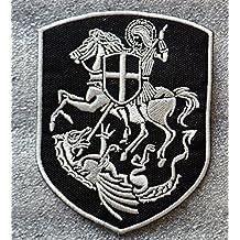 Parche para aplicar con plancha con escudo de la cruz de San Jorge sobre un caballo matando al dragón bordado hierro en parche de 7,7x 10cm
