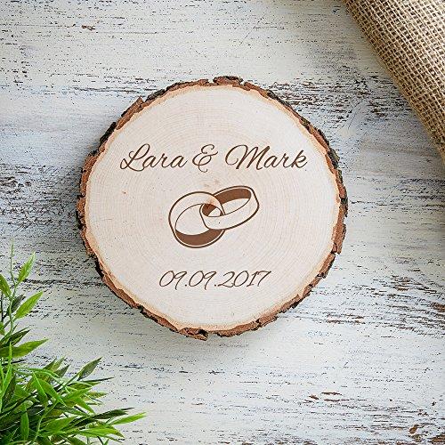 Baumscheibe mit Gravur zur Hochzeit – Personalisiert mit Namen und Datum – Motiv Eheringe – Türschild, Wandschild, Dekoration als Geschenk-Idee – Hochzeitsgeschenk, Liebesgeschenk