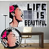 Fototapete Banksy Graffiti Künstler Wandbild Dekoration Life is Beautiful Pop Art Street Style Street Art Stencil Straßenkünstler | Fotoposter Wanddeko Bild Wandgestaltung by GREAT ART 210 x 140 cm
