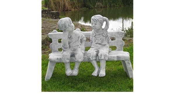 Skulptur Statue Kantenhocker Figur Lukas und Nele auf der Bank Garten