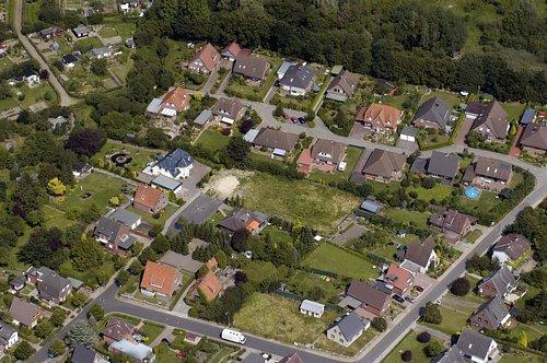 MF Matthias Friedel - Luftbildfotografie Luftbild von Otto-Wels-Straße in Itzehoe (Steinburg), aufgenommen am 05.08.04 um 13:12 Uhr, Bildnummer: 3009-57, Auflösung: 3000x2000px = 6MP - Fotoabzug 50x75cm (Wels Uhr)