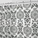 mDesign Duschvorhang mit Muster - waschbare Duschvorhänge mit rostfreien Ösen - langlebiges Duschrollo aus Polyester fürs Badezimmer - schwarz und weiß