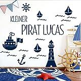 Grandora W5429 Wandtattoo Kleiner Pirat Wunschname Leuchtturm Schiffe Kinderzimmer brilliantblau Kreativset