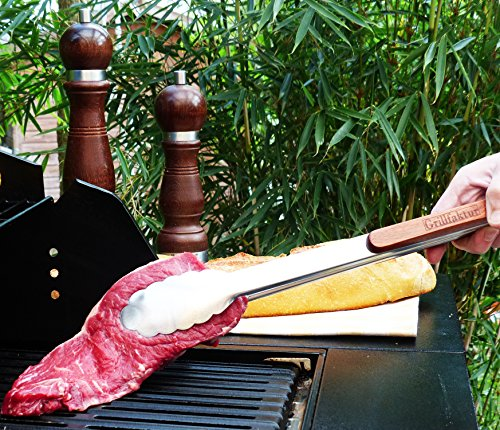 """61CKVaJ4NvL - Grillset """"HITZEFREI"""" von Grillfaktur® - Lange Edelstahl Grillzange (45 cm) + Grillpinsel aus Palisander (42 cm) + Grill-/Ofenhandschuhe (1 Paar) - Grillzubehör Geschenk Set Für Männer"""