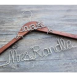 Percha Boda Color Madera Oscura - Fecha y Nombre personalizados en alambre