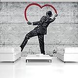 Carta da parati fotografica ForWall innamorati Getleman Bansky Photo Wallpaper Mural AMF20196_P murale cemento grigio cuore ragazzo Banksy cappello vestito, Schwarz und Weiss,rot, P8 (368cm. x 254cm.)