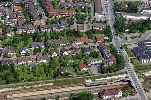 MF Matthias Friedel - Luftbildfotografie Luftbild von Berthold-Lange-Straße in Misburg-Süd (Hannover Stadt), aufgenommen am 10.06.06 um 12:36 Uhr, Bildnummer: 3741-04, Auflösung: 4288x2848px = 12MP - Fotoabzug 50x75cm