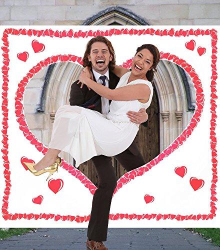 sschneiden für das Brautpaar. Komplettset PORTOFREI: Laken zum Ausschneiden mit Herzmotiv inkl. 2 Scheren. Braut & Bräutigam schneiden das Herz aus und durchschreiten das Stoffherz. (Herz Zum Ausschneiden)