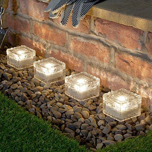 Galleria fotografica Festive Lights - 4 cubi di vetro con lampade ad energia solare per patio e giardino, Vetro, Warm White, 7 cm