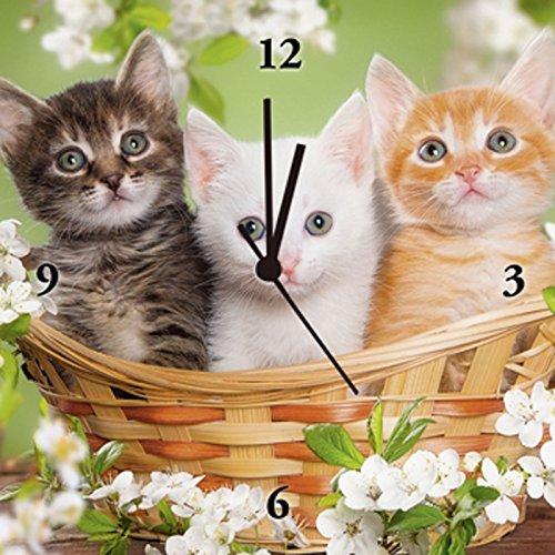 Artland Analoge Wand-Funk-oder Quarz-Uhr Digital-Druck Leinwand auf Holz-Rahmen gespannt mit Motiv Mariya Zimarina Drei unterschiedlich farbige Katzen sitzen in einem Korb umgeben von Blumen Tiere Haustiere Katze Fotografie Grün C3PB