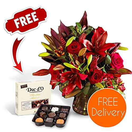 SendaBunch Fresh Christmas Flowers Delivered - Free UK Delivery - Red Christmas Fire Bouquet including Lilies, Roses and Alstroemeria with Free Chocolates, Flower Food and Bonus Ebook Guide - Perfect For Xmas Gi