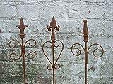 3 Stück dekorative Rankstäbe, Rankhilfe, verzierte Spitze, Eisen, Rost
