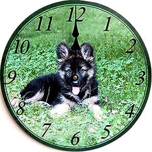 HORLOGE MURALE CHIEN BERGER ALLEMAND IMAGE 30 CIRCULAIRE - le droit des dessins - DECORATION CUISINE image de l'horloge NOUVEAU - Collection de Tina - Le design légèrement différent