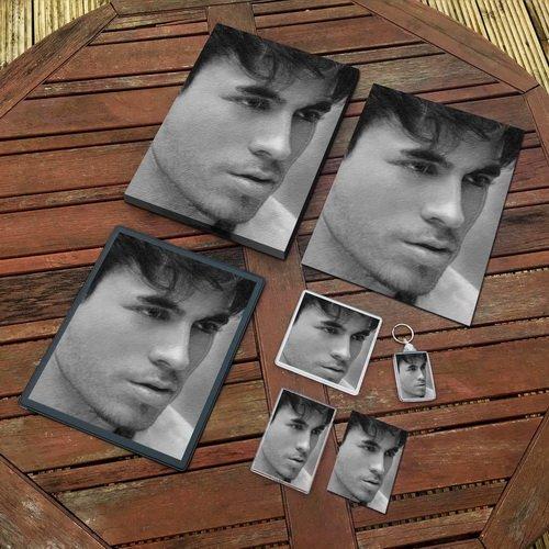Enrique Iglesias - Original Art Gift Set #js002 (Includes - A4 Canvas - A4 Print - Coaster - Fridge Magnet - Keyring - Mouse Mat - Sketch Card)