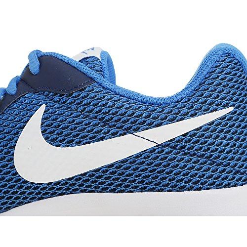 Nike Tanjun Se, Chaussures De Gym Pour Homme 401