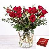 Flores Frescas Florachic - 12 Rosas Rojas con jarrón rústico y bombones -...